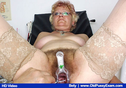 Betty at the gyno examining