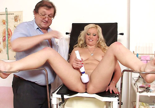 Big Boobs Blonde Jennifer Spreads Legs and Masturbates with Vibrator