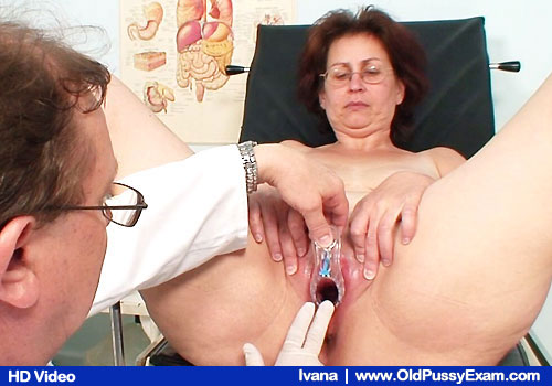 Older Brunette Ivana Gets Screw piss hole Stretch in Gyno Exam